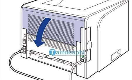 Bước 4: Mở khay giấy phía sau máy in để kiểm tra